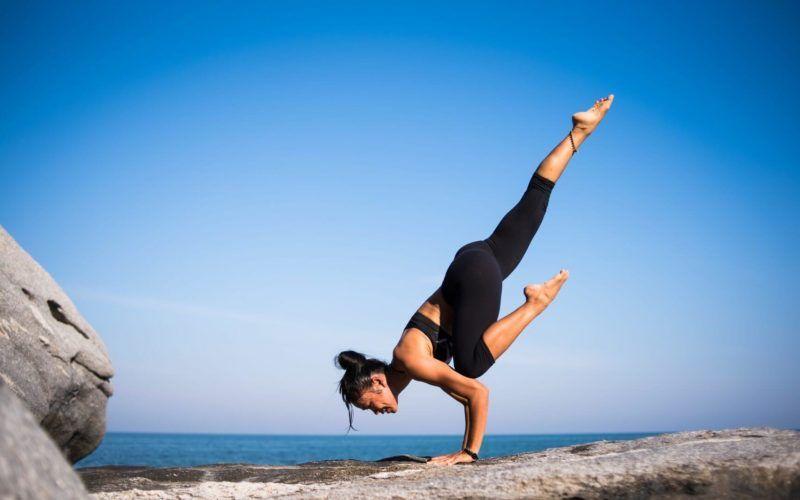 w czym trenować w upalne dni? trening siłownia ćwiczenia w lato blog