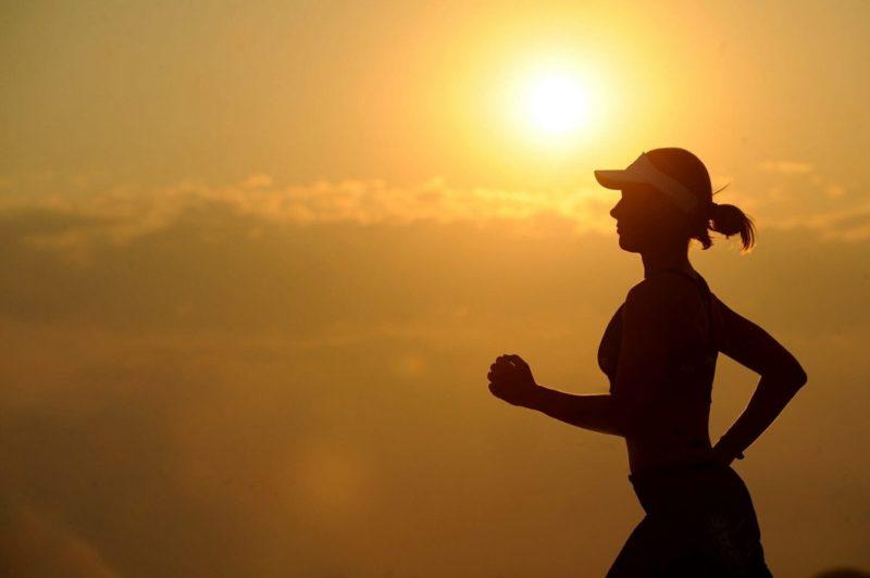 nawadnianie w trakcie upałów trening siłownia ćwiczenia w lato blog